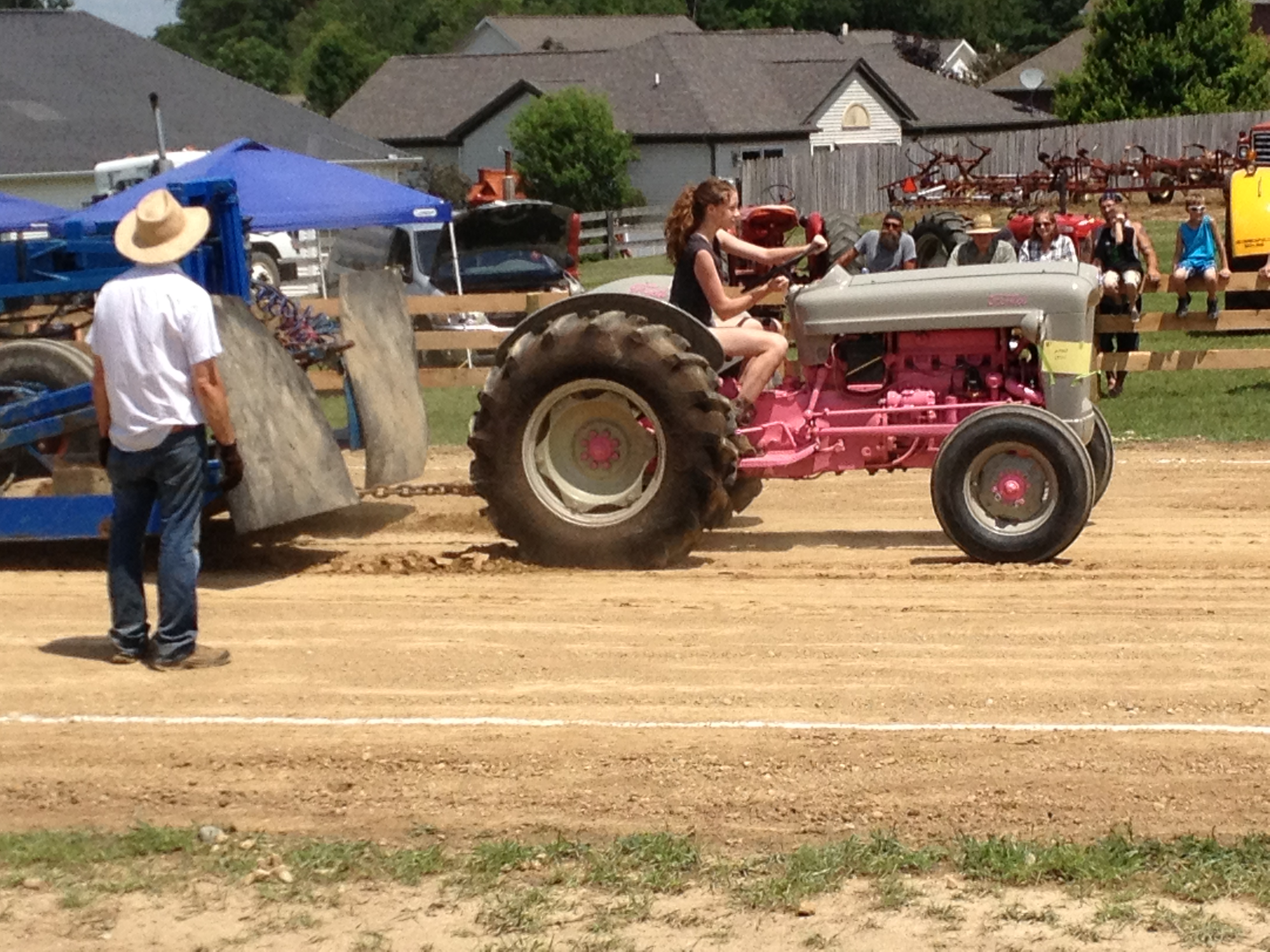 Tractor Pull Tractors : How to get started in stock antique tractor pulling