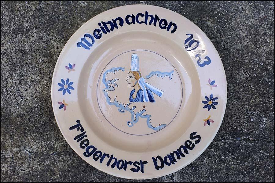 Assiette faïence 1943 Weihnachten Femme