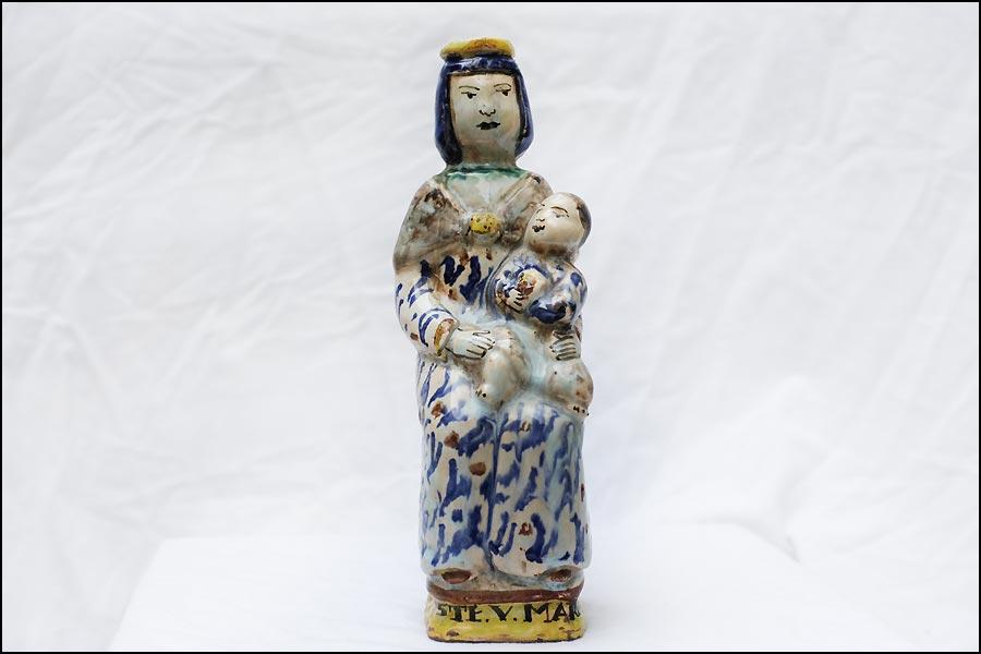 Antiquités Morbihan : antique vierge accouchee XVIIIème siècle