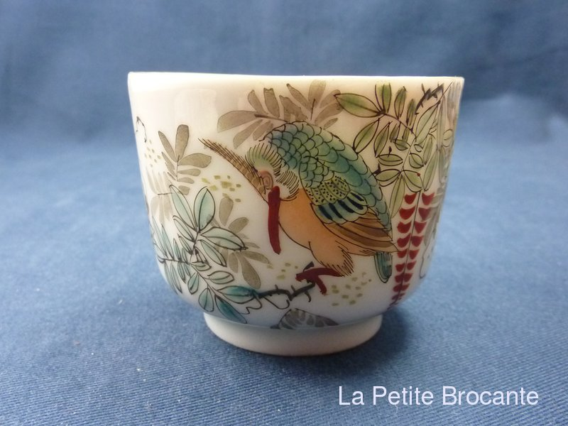 ancienne tasse a the en porcelaine japonaise