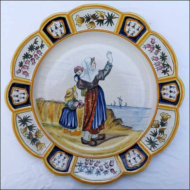 faience de quimper decor finement peint