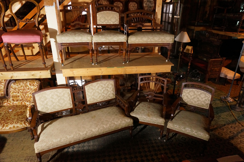 ensemble de salon victorien antiquit s deschambault. Black Bedroom Furniture Sets. Home Design Ideas