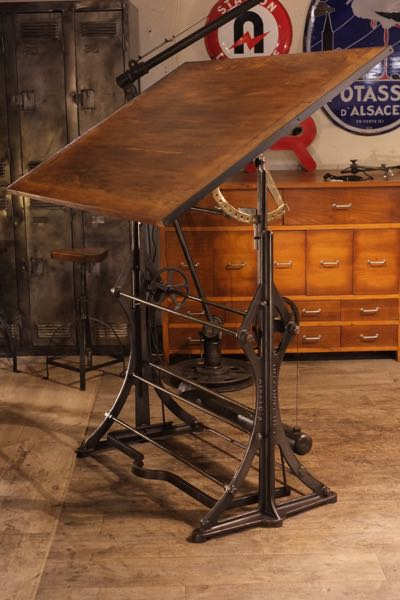 RENAUD JAYLAC Brocantes Antiquites INDUSTRIELLES Meuble De