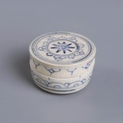 Blue and White Cylindrical Covered Box with Lotus