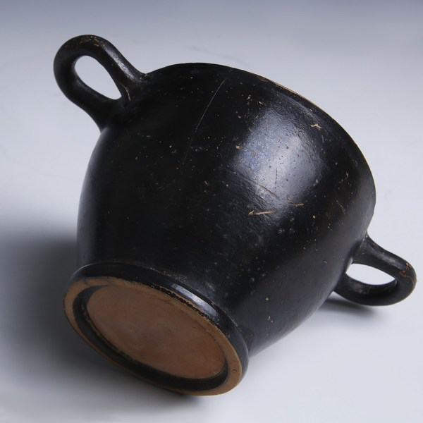 Apulian Black Glazed Terracotta Skyphos