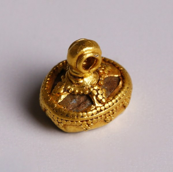 Assyrian Gold Pendant with Pyramid Granulation