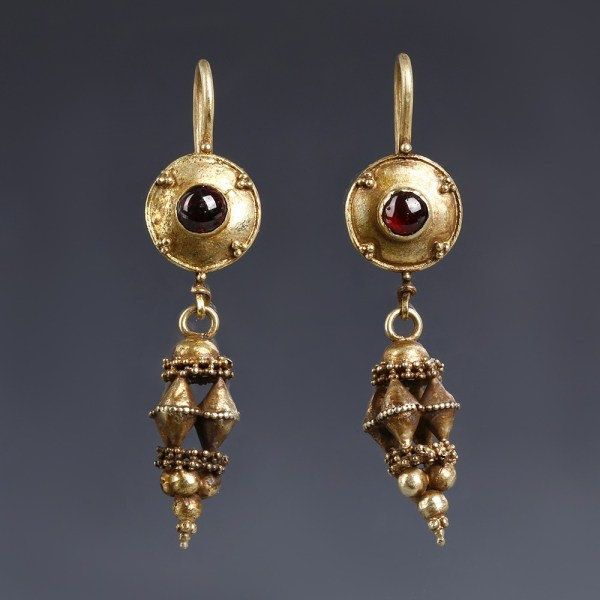 Elaborate Roman Gold Earrings with Garnets