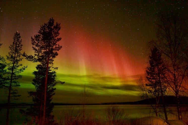 The Aurora Zone (@Aurora_Zone) of the UK made US fall in love with this stunner from Finland: pic.twitter.com/gERvgdrvla
