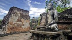 Stuart Jackson (@StuJackz) of the UK photographed pretty Buddha statues in Sri Lanka: pic.twitter.com/uuidTQUsnD