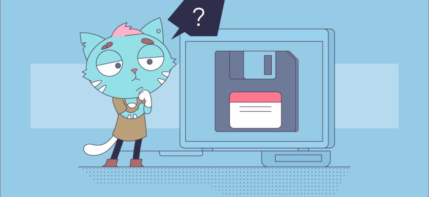 Кот-хулиган смотрит в экран