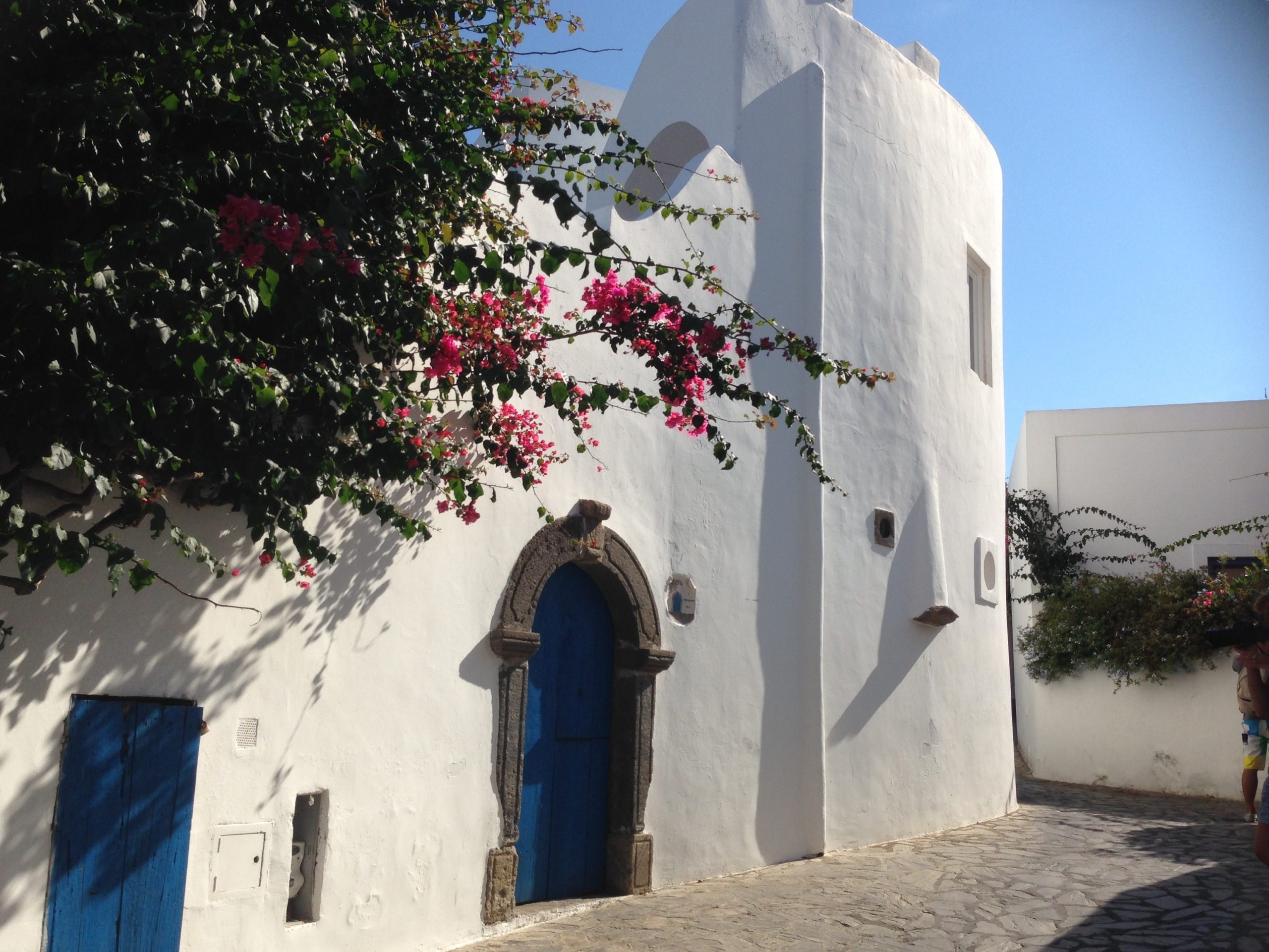 Life Coach in Sicily - Visit to Lipari island' white houses