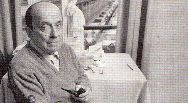 Photo of روبيرتو خواروس – شعر شاقولي