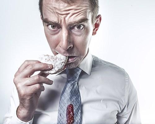 sfogare stress mangiare cibo fame emotiva