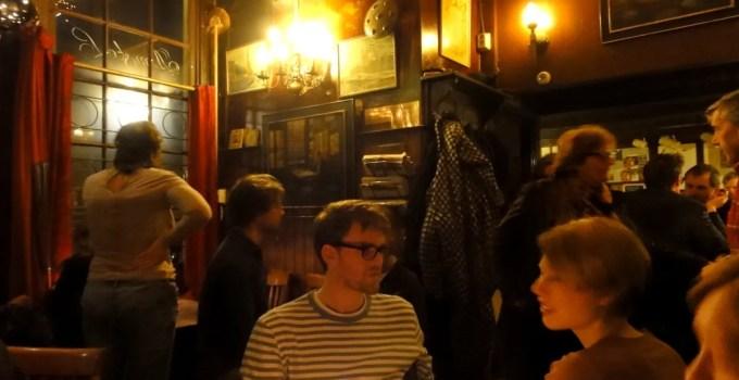 Café Papeneiland, Amsterdam — Gezellig!