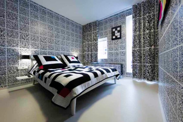 antoniacollages at hotelmodez in room 6 by Antoine Peters (imagecredit; Hotel Modez)