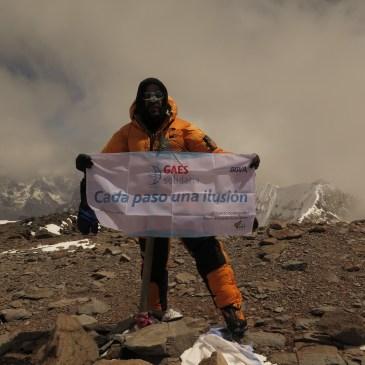 Antonio Gassó, director general de GAES Centros Auditivos, en la cima del Aconcagua