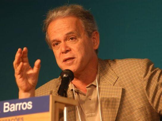 Luiz Carlos Mendonça de Barros é entrevistado no programa Ponto a Ponto / Reprodução: Jornal GGN