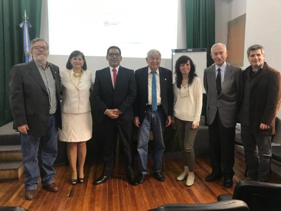 Dr. Antonio Román - Tribunal en la Defensa de la Tesis Doctoral