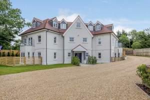Brookmans Park – Full Block of 8 luxury apartments