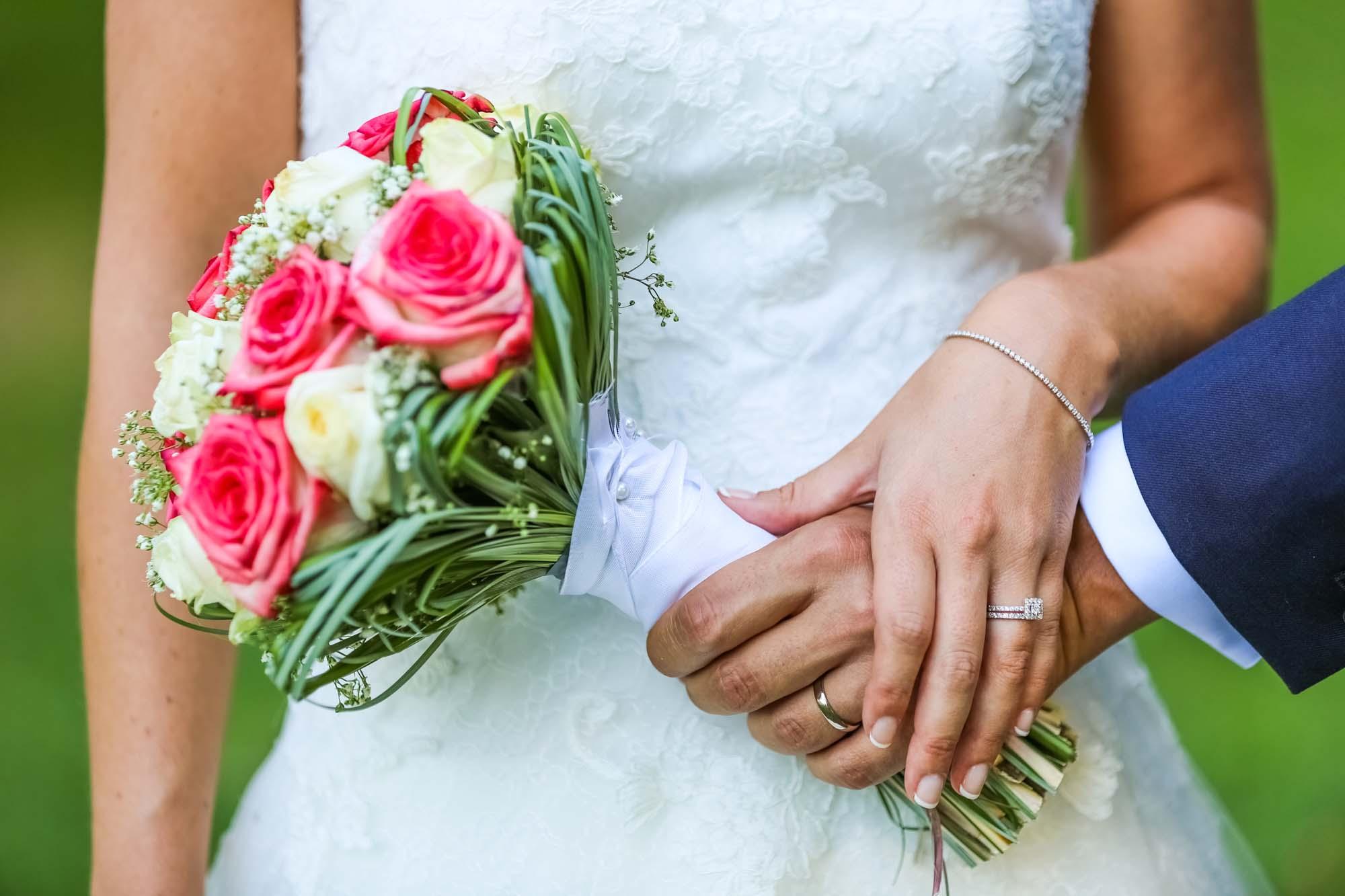 Bouquet et alliances Mariage Salon de Provence