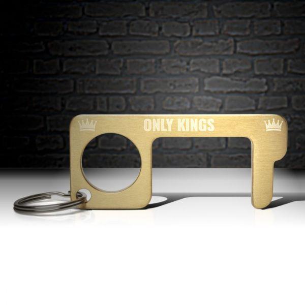 hygienehaken everyday carry no touch tool türöffner aus messing mit goldfarbe beschichtet und gravur spruch only kings foto 07