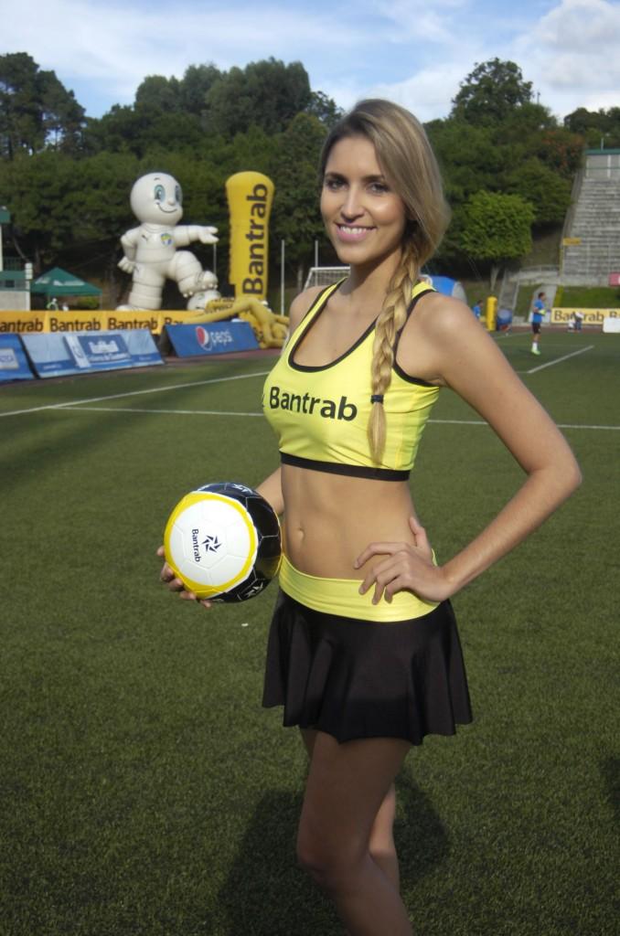 Monique Ventura - Brasil 1540