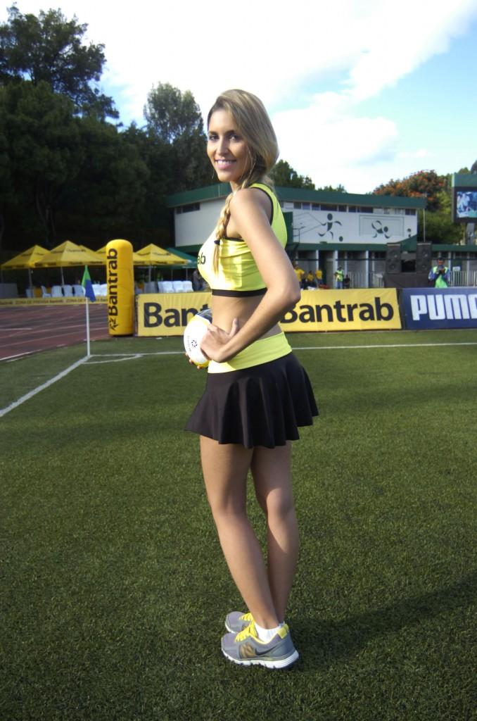 Monique Ventura - Brasil 1544
