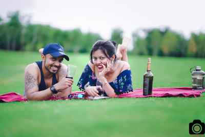 pre-wedding shoot in golf course Pune