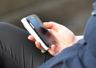 1 din 5 antreprenori ar renunța mai degrabă la vacanță decât la telefonul lor