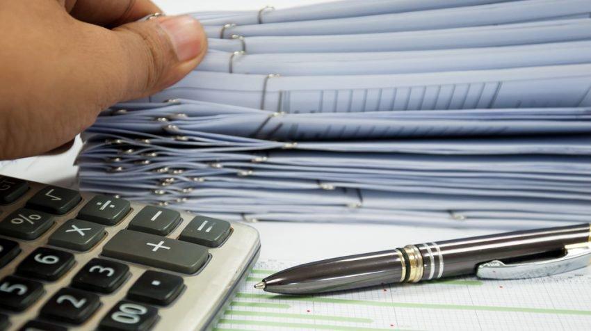 Îndeplinirea sarcinilor administrative necesită 240 de zile pe an într-o afacere mică