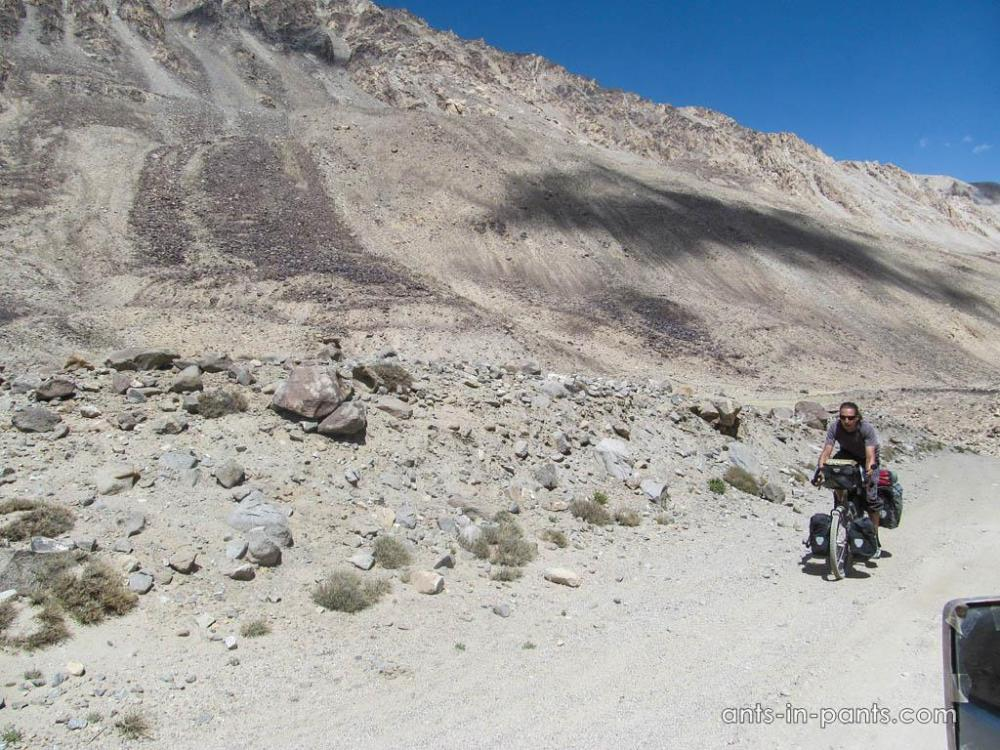 Cyclying at Pamir