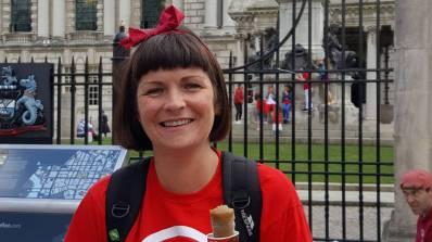 Brenda Uí Chléirigh, múinteoir Gaeilge i gColáiste Feirste, duine d'eagraitheoirí an Lae Dheirg