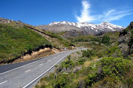 widok na Mount Ruapehu z Bruce Road, Tongariro National Park, Nowa Zelandia
