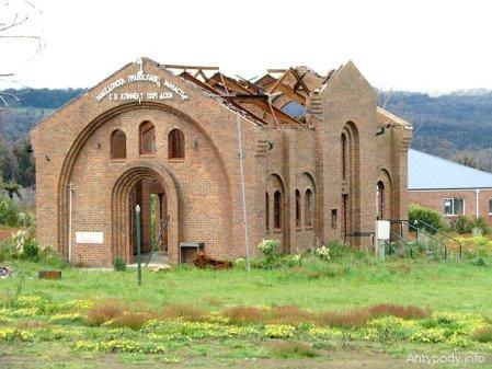 spalony kościół w Kinglake