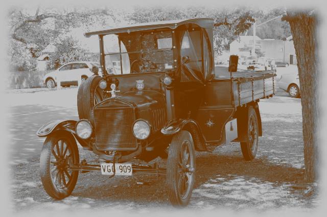 stary samochód w Australii, australijskie pola złotonośne, Maldon, Wiktoria, Australia