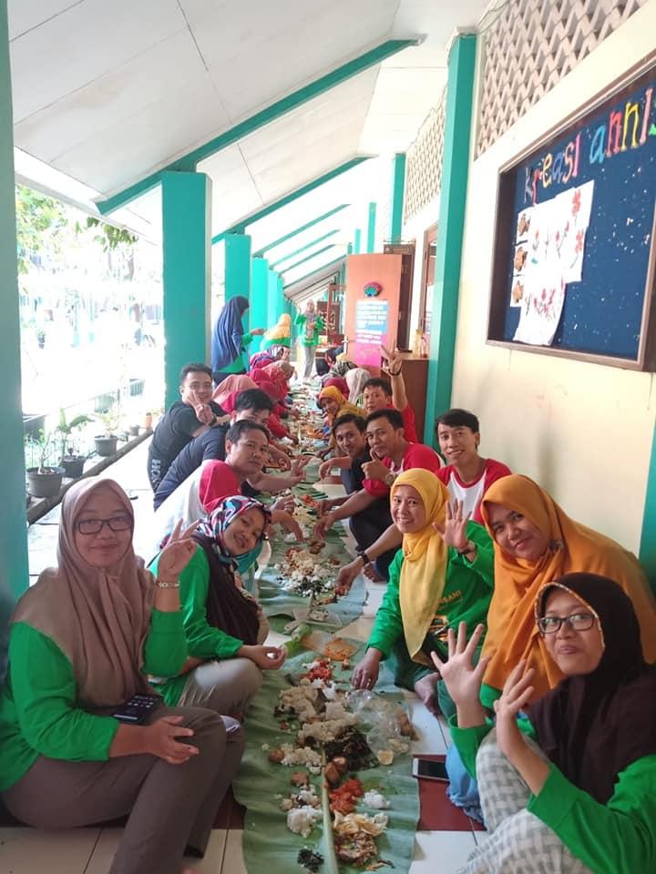 Senam & Ngaliwet Bersama Guru & Staf SD Islam Anugerah Insani