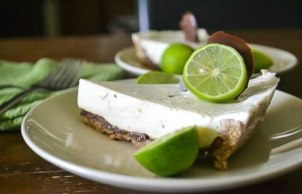 Chocolate-coated Key Lime Pie1 LR