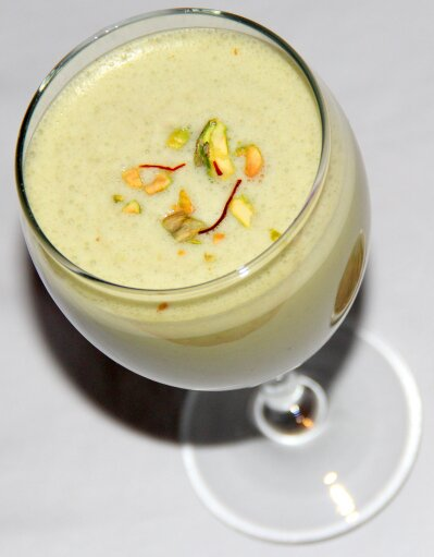 Pistachio Milkshake Chitra's Healthy Kitchen