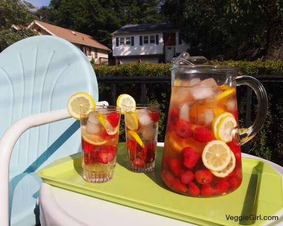 Strawberry Lemon Sangria Veggie Girl