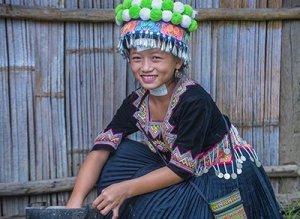 A Young Hmong Nyab