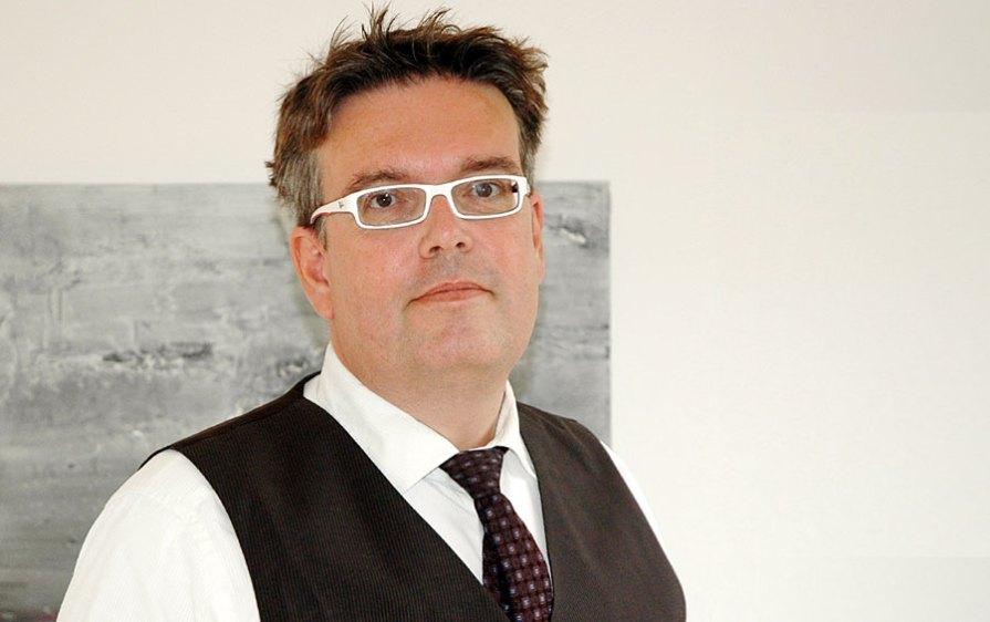 Dipl.-Ing. Michael Horak, LL.M. Rechtsanwalt · Beratender Ingenieur Fachanwalt für gewerblichen Rechtsschutz Fachanwalt für Urheberrecht und Medienrecht