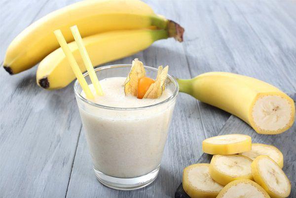 牛乳とバナナで作るバナナシェイク