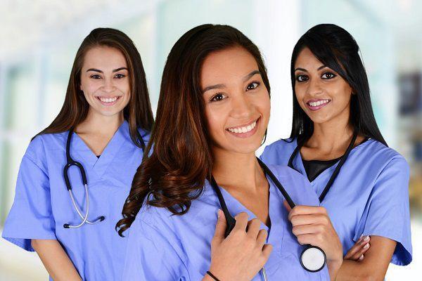 3人の看護師たち