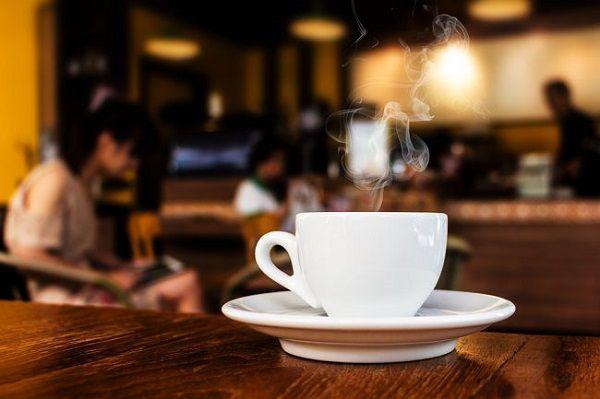 カフェにこもる