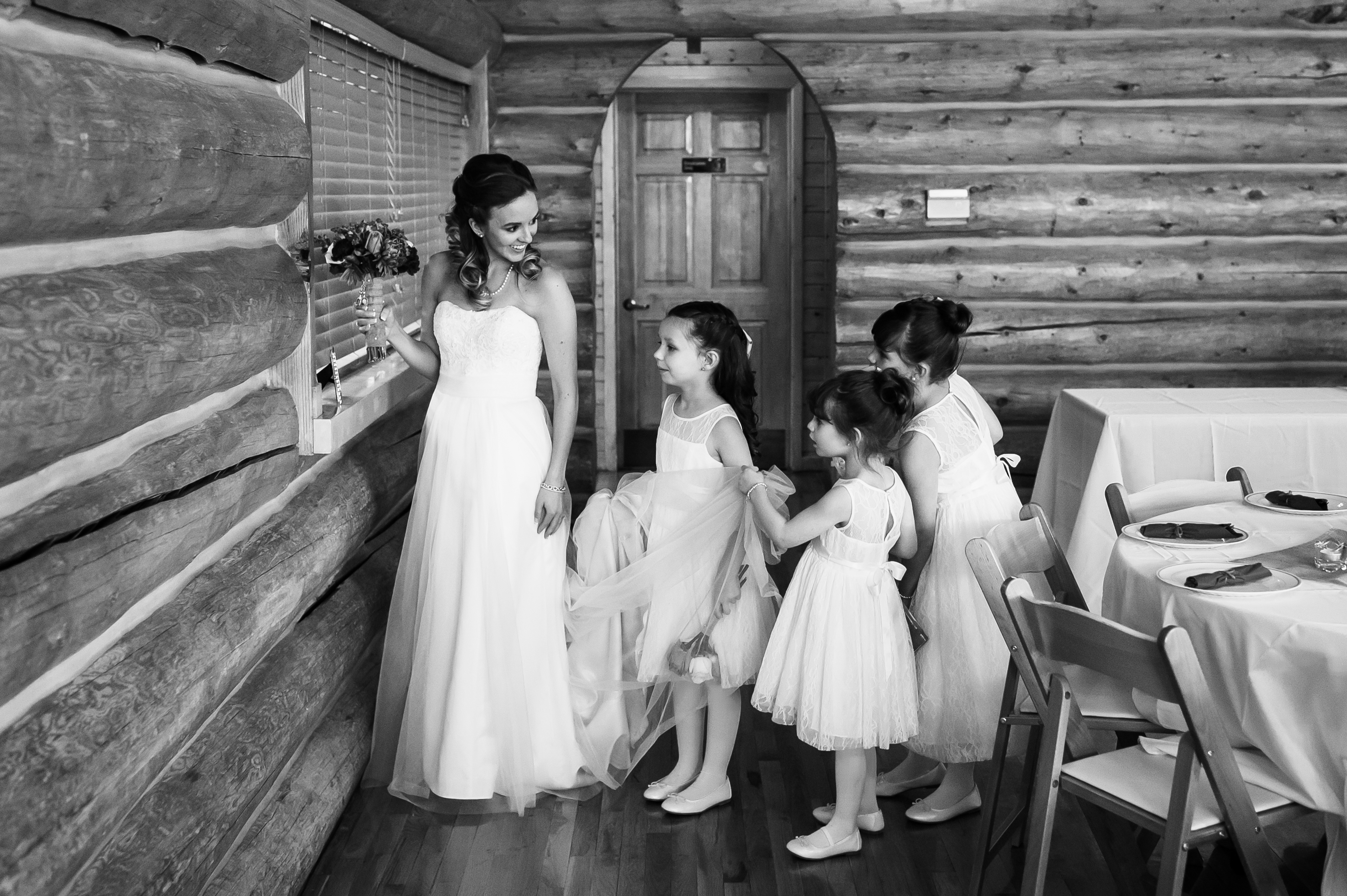 Evergreen Lake House wedding pictures of bride with flower girls
