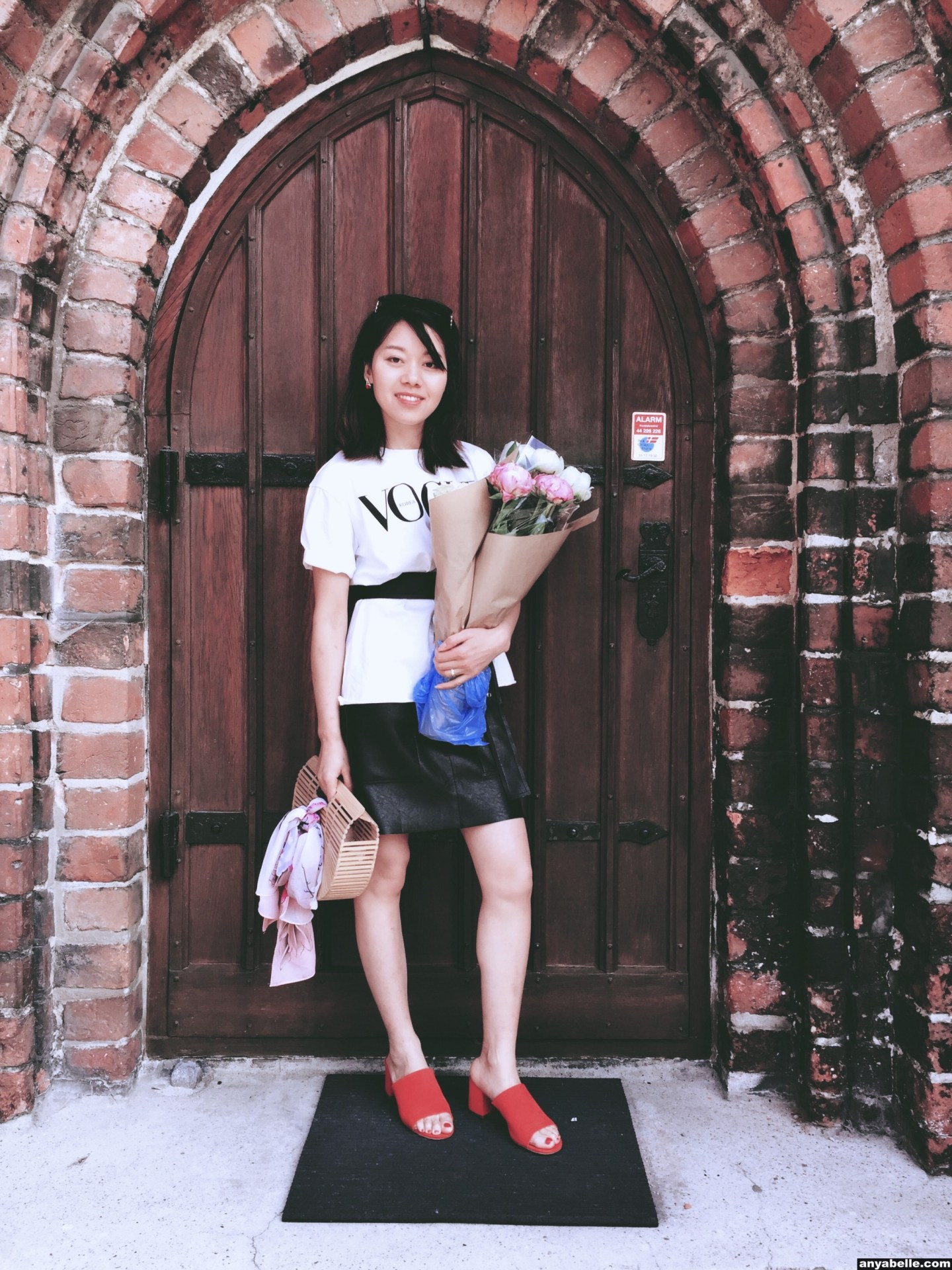 OOTD,Outfit of the day , Instagram, Blogger,Street Style, Style,Bamboo bag, Lifestyle, Outfit, Fashion,Holiday style, Coffee, Flower,Europe,每日穿搭,时尚博主,生活方式,街拍,风格, 穿搭,时尚,咖啡, Ins风, 竹包 ,鲜花,欧洲