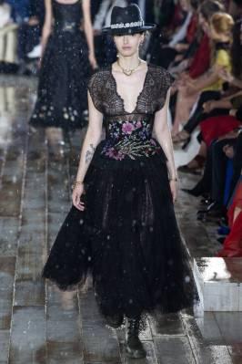 Dior5 taille serree