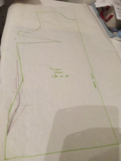 Florence a dessiné ce devant de tunique en suivant le cours Anya Camau Académie de Mode
