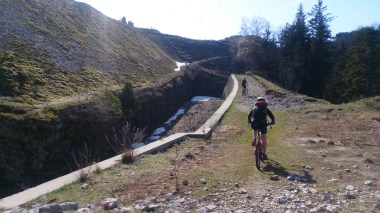 Little ride along the top of the old fortifications before the descent