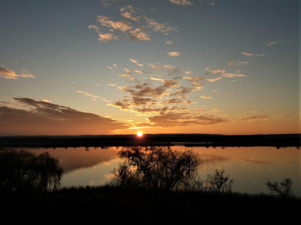 Sunset on kis-balaton Kányavári sziget